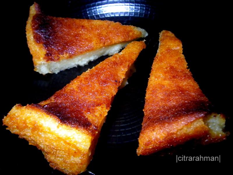 Kue Adee rasa ubi ini dulunya hanya bisa ditemui di pasar-pasar ketika bulan puasa atau disajikan di warung-warung kopi.