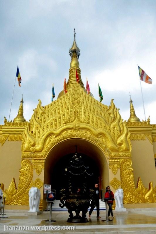 Replika Pagoda Shwedagon